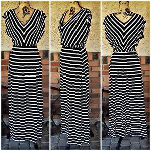 mossimo black stripped dress